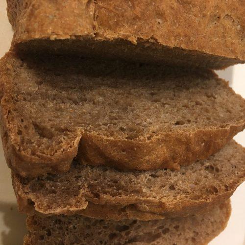 「世界一シンプルで科学的に証明された究極の食事」を読んで全粒粉100%のパンを焼いています